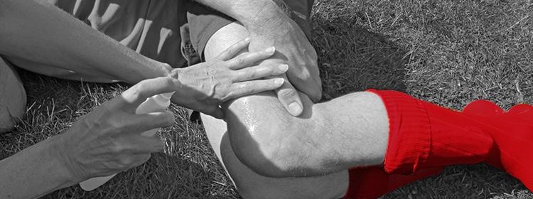 תאונות ספורט - שוכב פצוע על הדשא